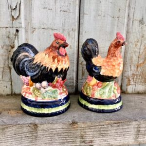 rooster and hen salt shakers